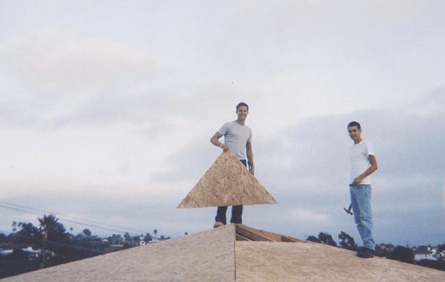 Pyramid Roof Blur