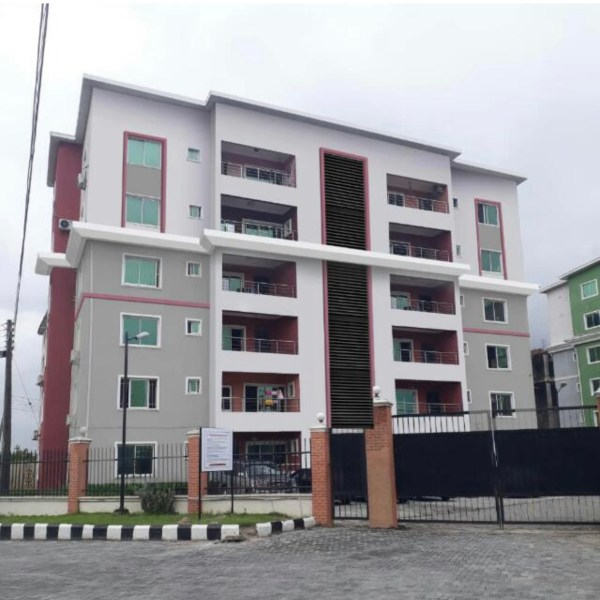 female flatmate need in shared fully furnished serviced apartment in lekki