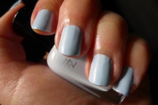 May Ipsy Glam Bag 2013 - Zoya Nail Polish Blu Swatch