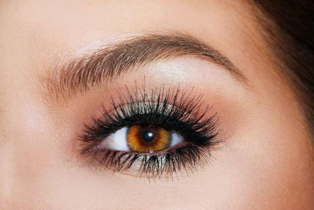 Eyelash Care 3