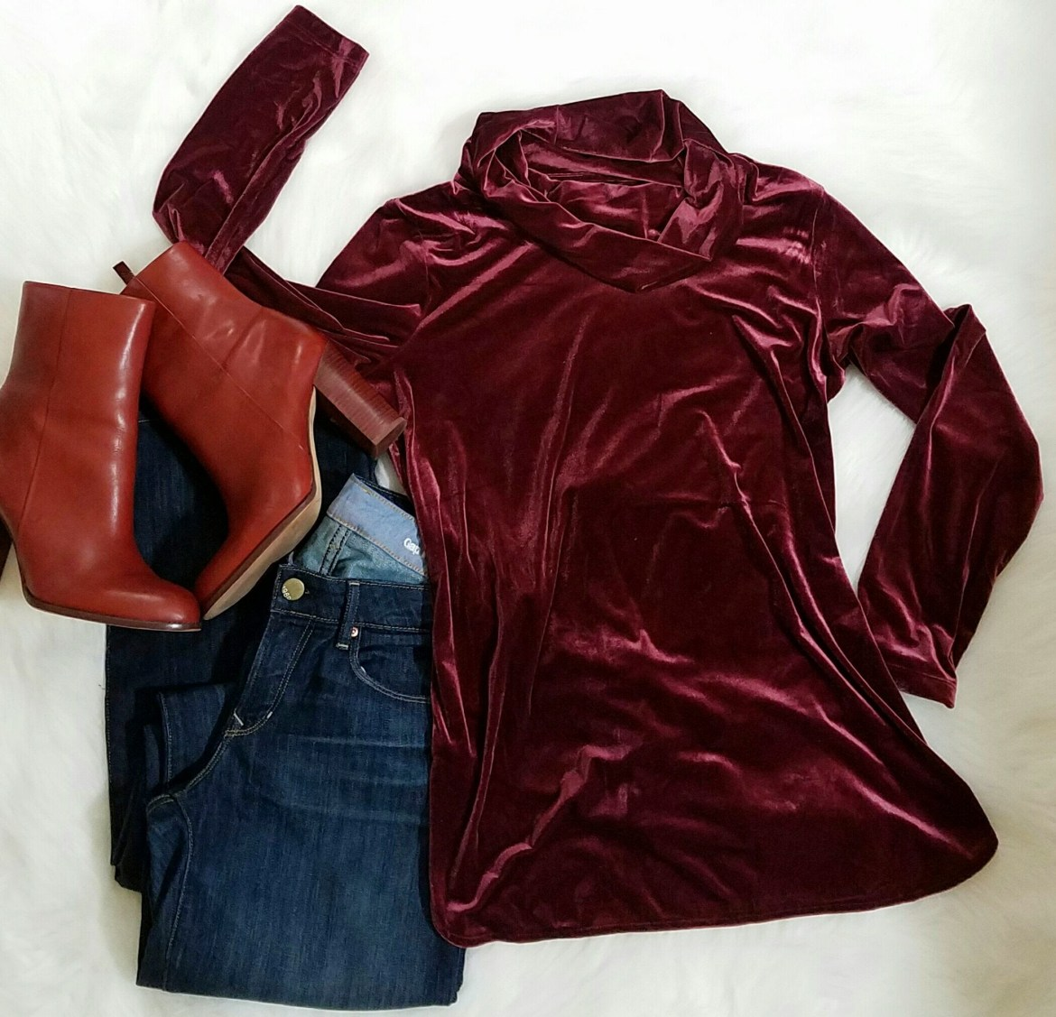 Gosh that velvet top is everything.