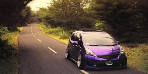 04. Honda Jazz RS Violet