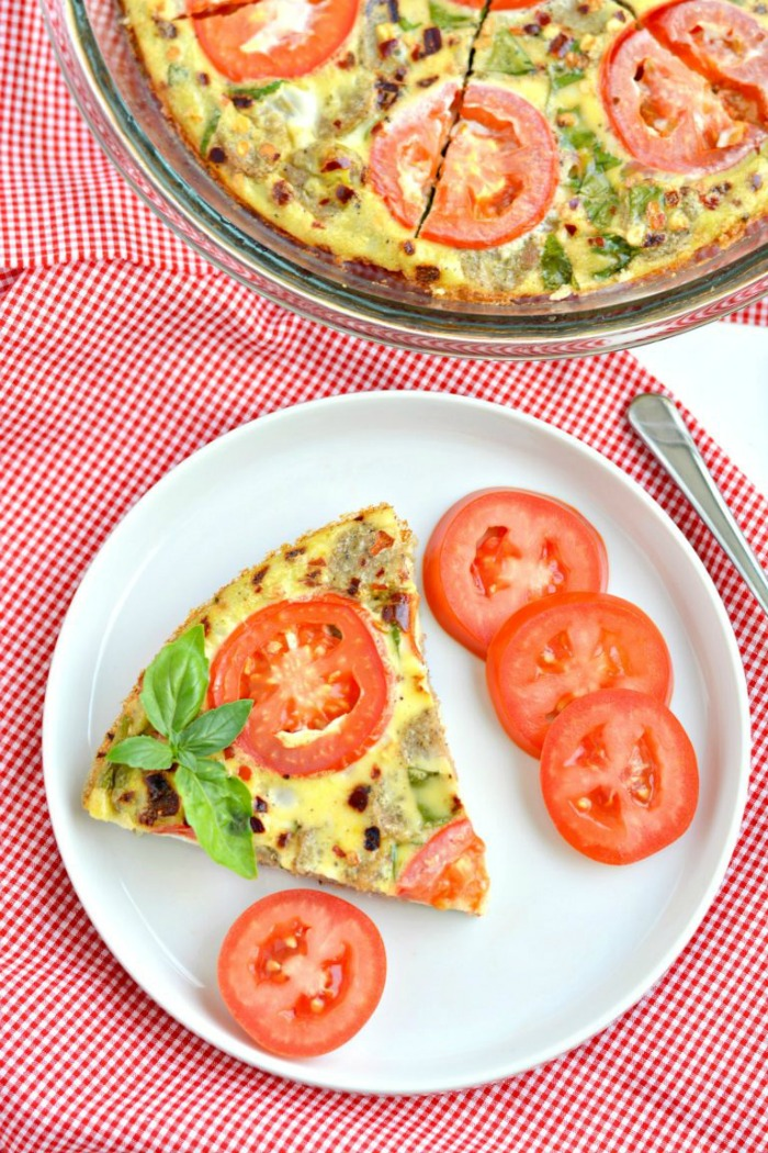 Sausage Tomato Breakfast Pizza! A simple one-pan dish made with fresh vegetables and herbs with the flavors of pizza. A Paleo, gluten free and low calorie breakfast that's healthy, nourishing and delicious! #eggbake #frittata