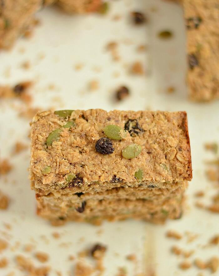Healthy Apple Cider Vinegar Granola Bars! Made with no refined oil or sugar, these EASY oven-baked bars are a nourishing & flavorful snack! Gluten Free + Vegan + Low Calorie