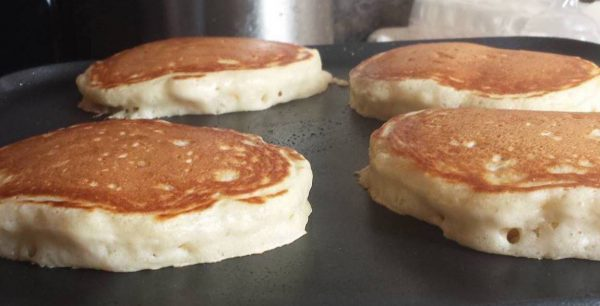 Best Light and Fluffy Pancakes