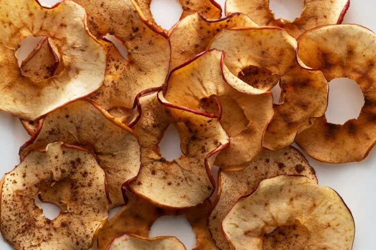 These yummy apple chips are perfect for packed lunches and school snacktime
