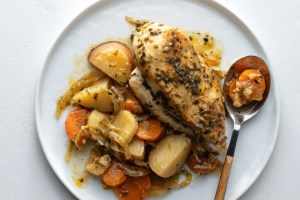Our slow cooker herb chicken and vegetables is a meal you can feel good about!
