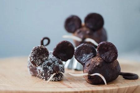 How to Make Chocolate Mice