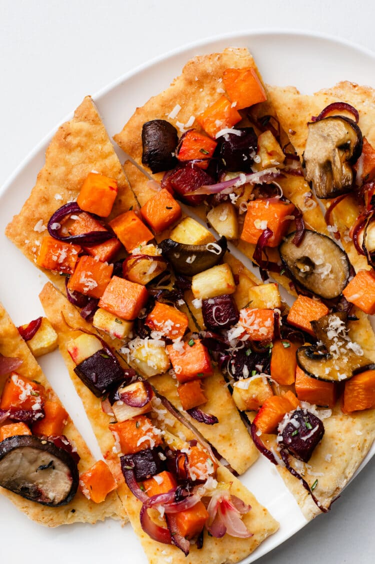 This vegetarian pizza is a super healthy meal or starter.