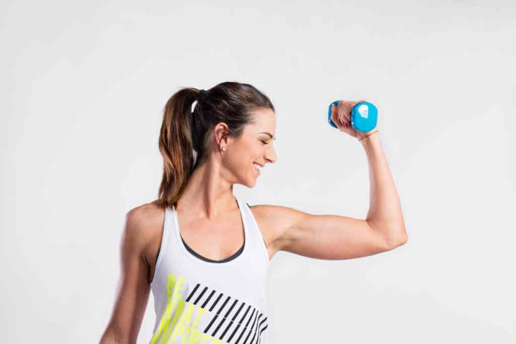Strengthen your arms and build strength with this 15-minute workout for strong and toned arms!