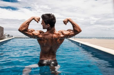 Johnny Starr back muscles
