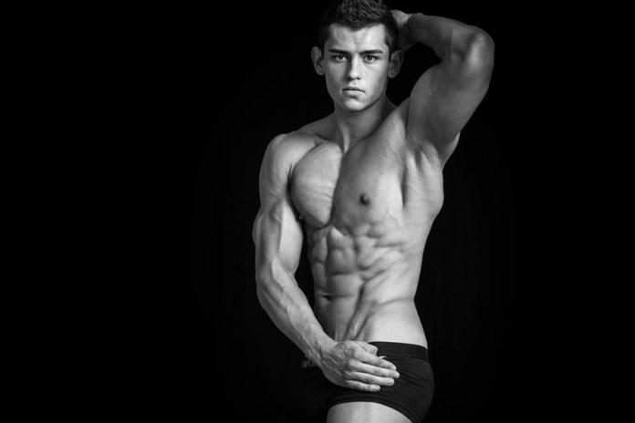 Fitness model - Luke Sumner-Wilson
