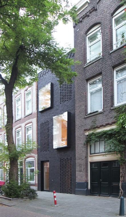 skinnyscar-03-facade-light