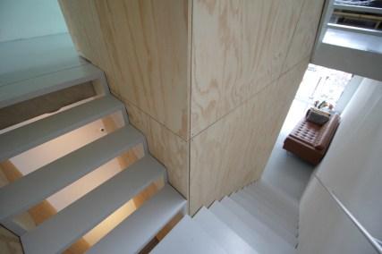 skinnyscar-22-v1-stairs-vista