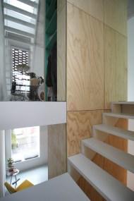 skinnyscar-23-v1-stairs-vista