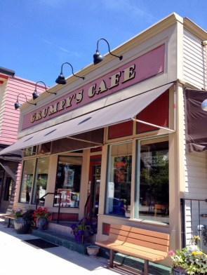 Grumpy's Cafe in Tremont