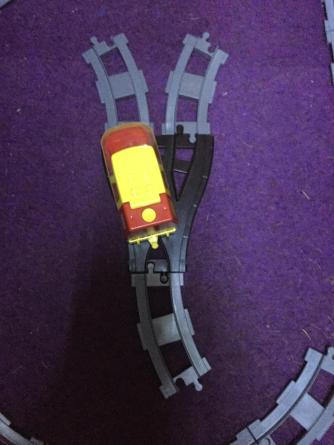 a right hand curve behind a old style switch will cause a loco to follow the left hand running rails