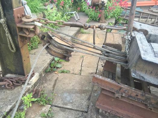 Slipway pulley arrangement