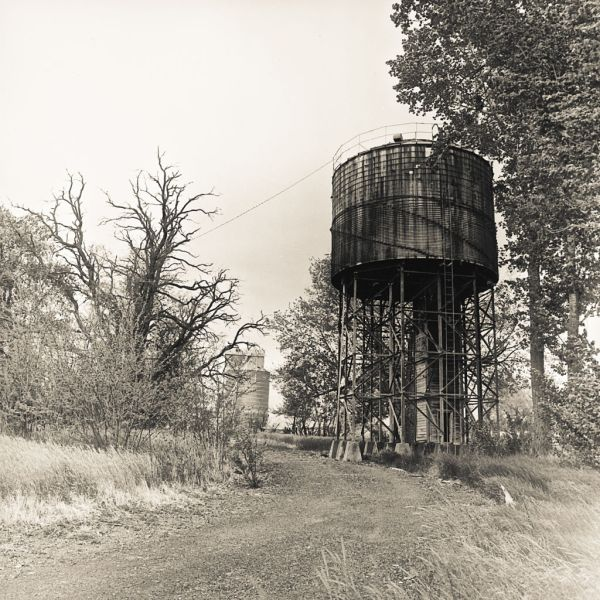 Water Tower Benge - © Skip Smith