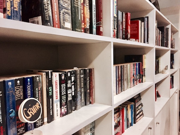 Books & Brews Café: When The Book Worms And Coffee Lovers Meet | Skip The Flip