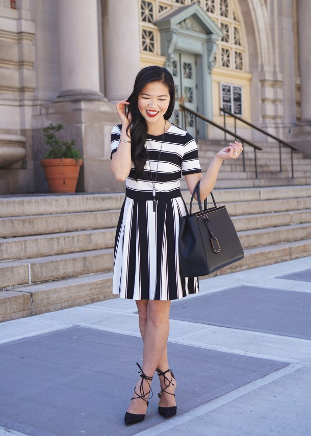 Skirt The Rules / Cute Black & White Striped Dress