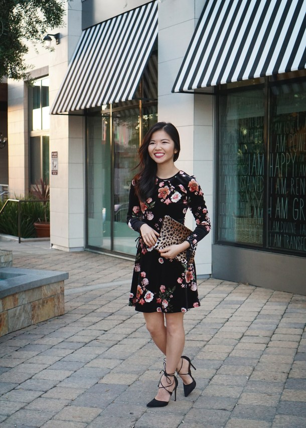Skirt The Rules / Velvet Floral Dress