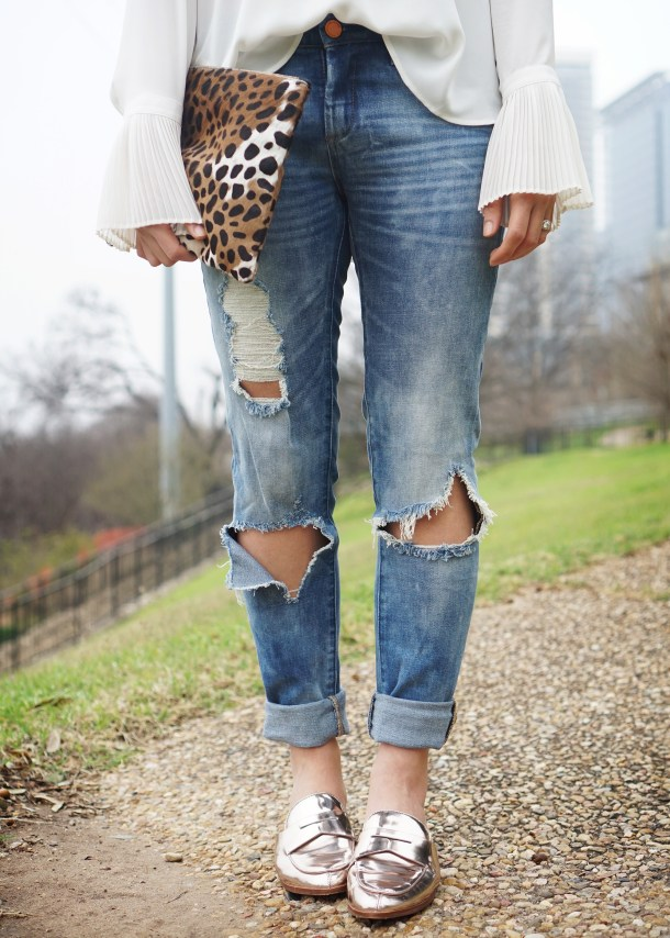 Skirt The Rules / Ripped Jeans & Rosegold Loafers
