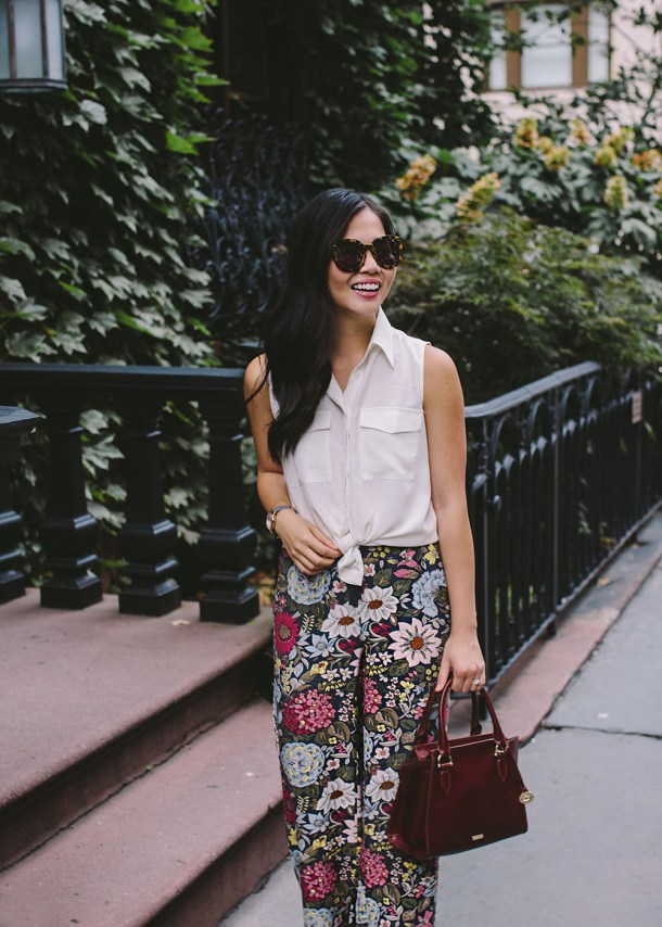 What to Wear to Work in September / Fall Floral Pants