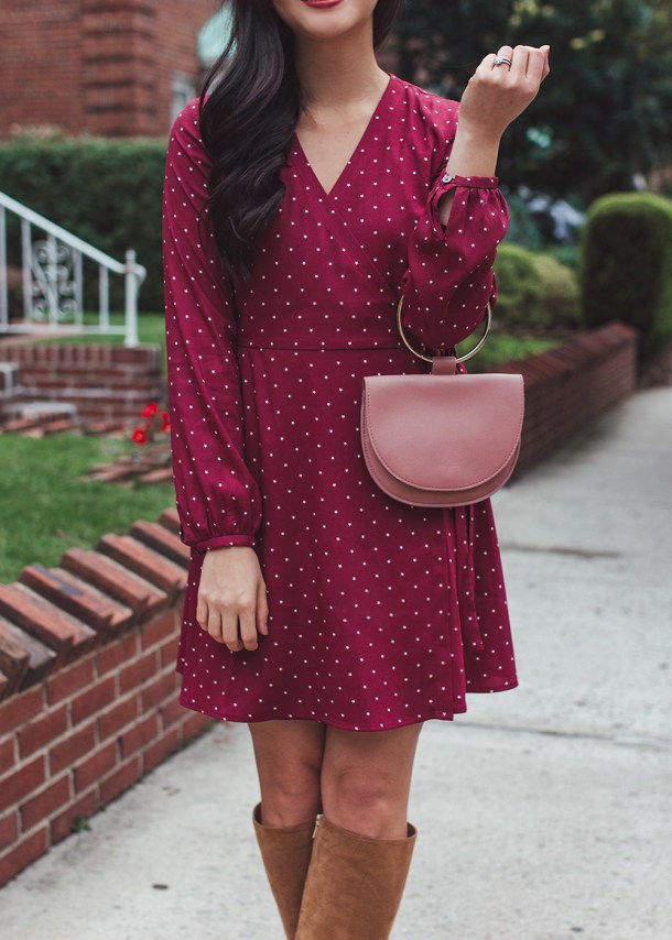 Fall Outfit Inspiration / Star Print Wrap Dress