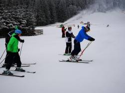 Ski lessons group on Bradul ski slope from Poiana Brasov