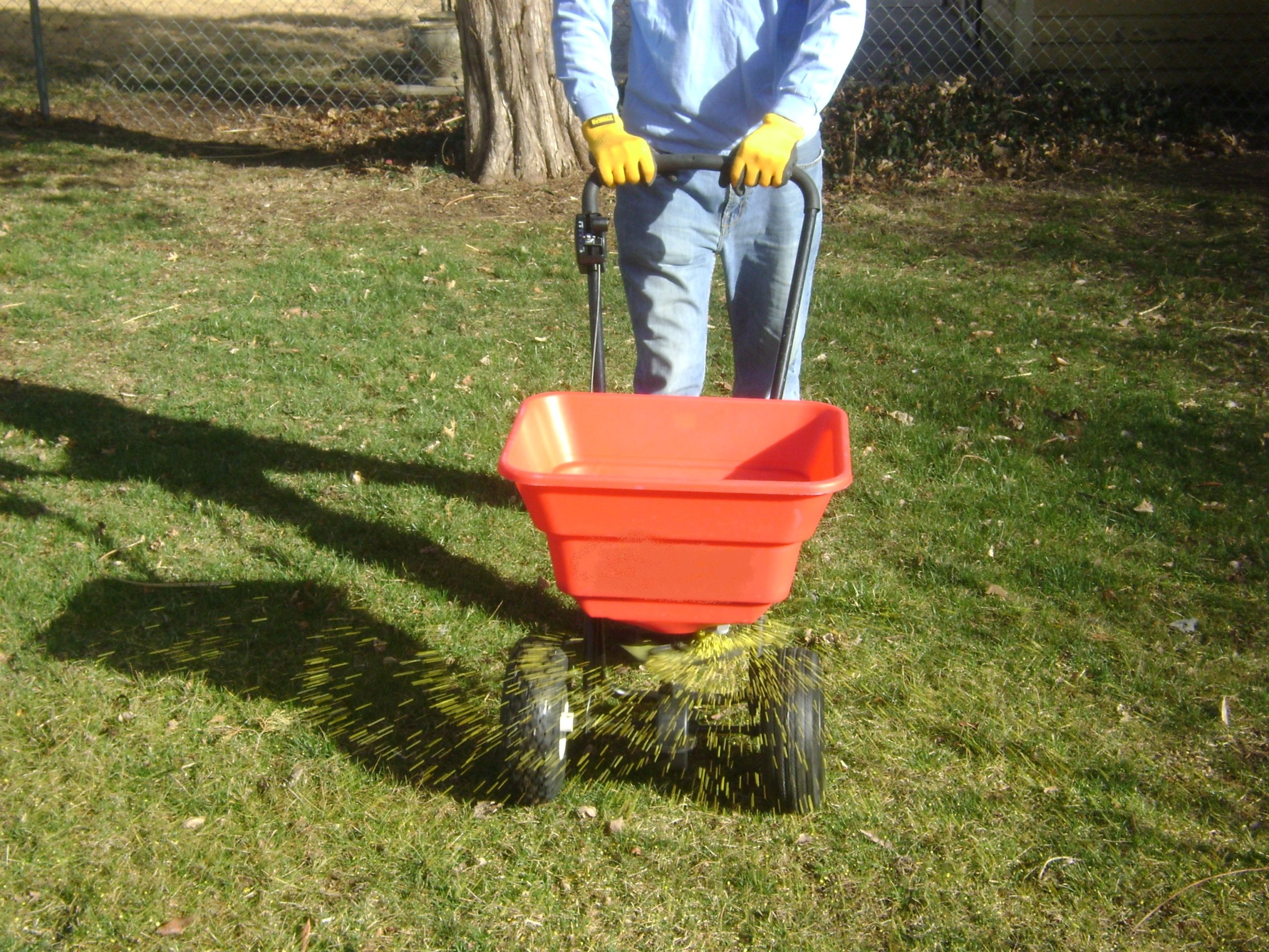 Prairie Village-Lawn-Landscaping-SK-Lawn-Care-Lawn-and-landscaping-Mowing- Fertilizer-Weed-Control-Seeding