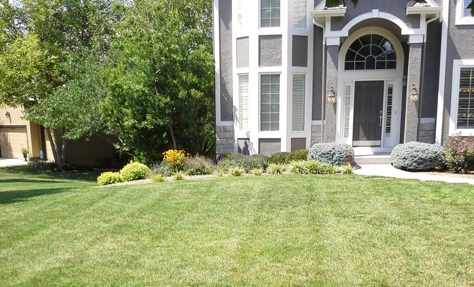 landscape-maintenance-landscaping-design-Kansas-City
