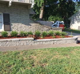 landscaper-landscaping-company-retaining-walls-Kansas-City