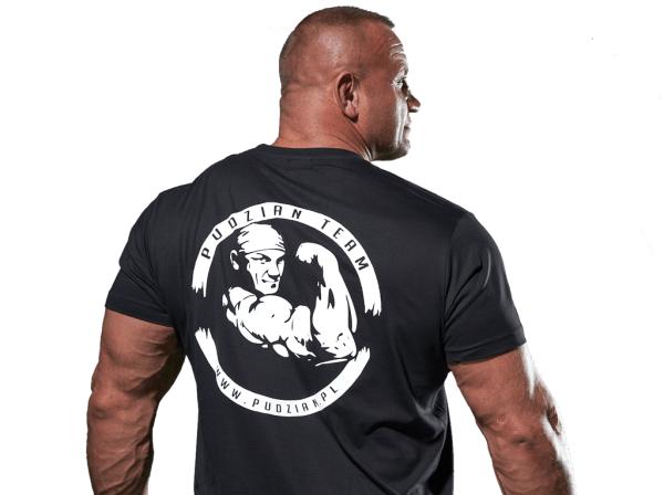 Czarna koszulka Pudzianator z tyłu