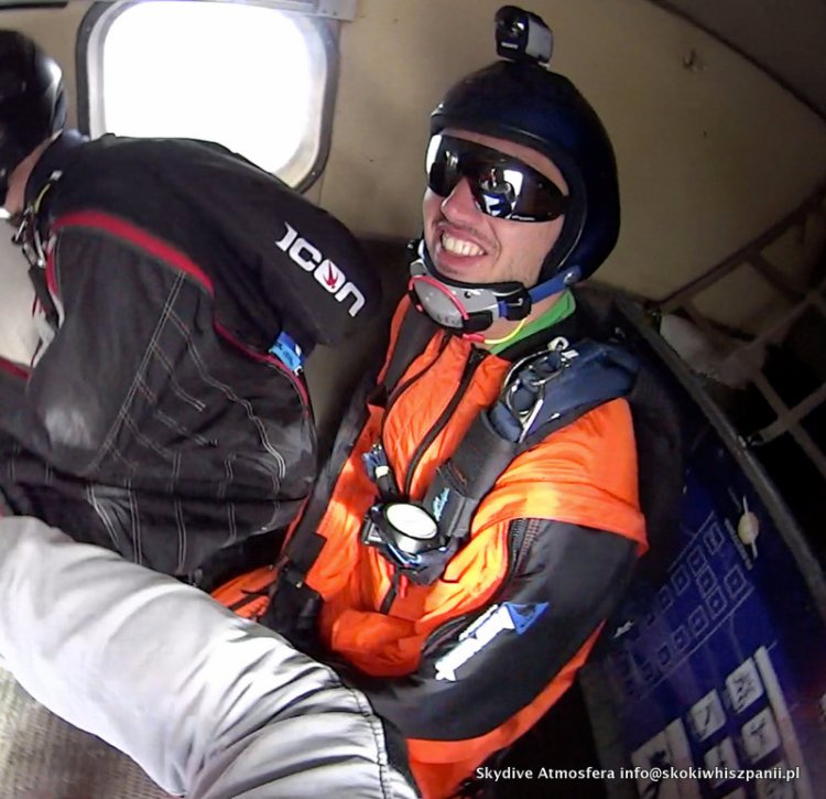 skydive in spain.27