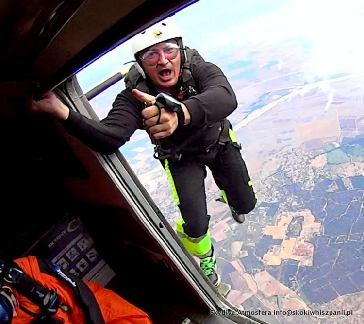 skydive in spain.34-001