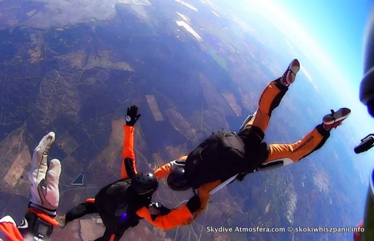 skoki spadochronowe hiszpania.15-001