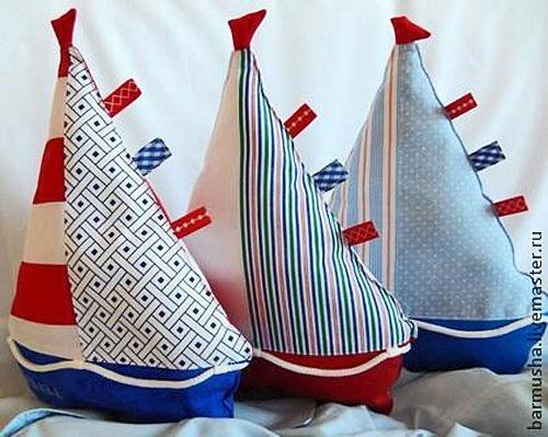 Travesseiros Brinquedos fazem isso sozinho: padrões originais de yostos infantis
