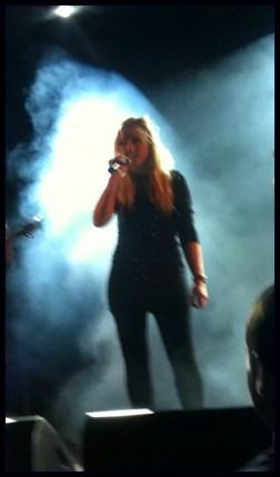 Skonnie Music, Concert, Vocals
