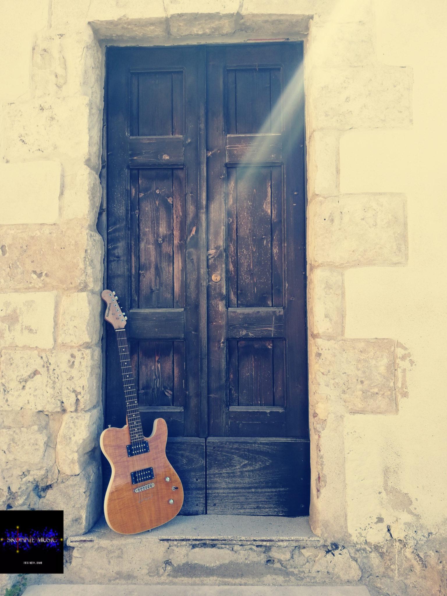 Guitar, Skonnie Music, Connie Yerbic, Vintage, Kononykheen Guitars, metal band