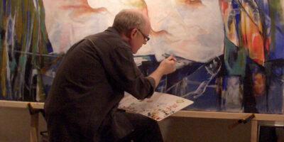Henrik Skora maler hele tiden, og derfor er der mange malerier til salg online