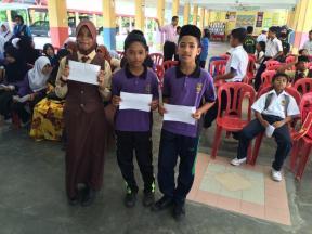 5A - dari kiri Nadia, Nor Aiman dan Mohamad Zul Hairee