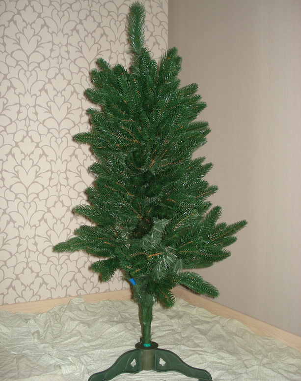 литая новогодняя елка