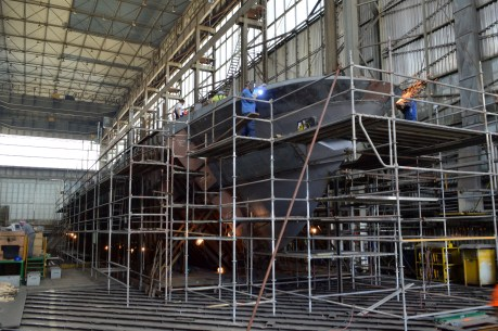 BRODOSPLIT - Izgradnja prvog od pet obalnih ophodnih brodova za MORH - FOTO Škveranka 18.8.2016.