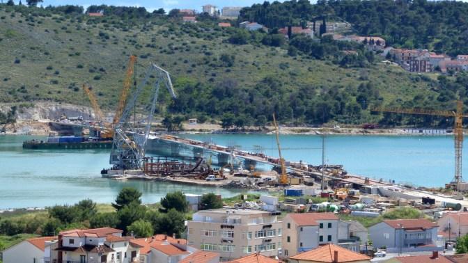 Montaža posljednjeg čeličnog rasponskog segmenta mosta Čiovo izgrađenog u Brodosplitu
