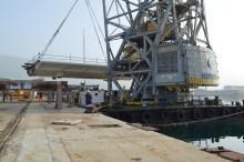 Transport prvog celicnog segmenta za Most Ciovo izgradenog u Brodosplitu. (1)