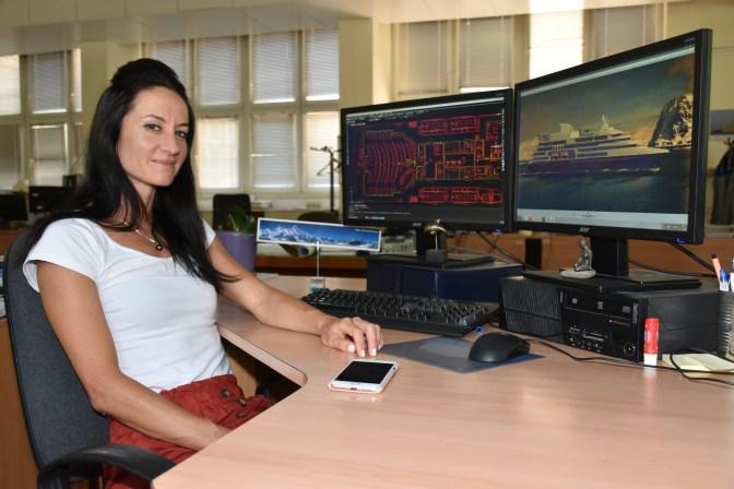 Brodosplitova škveranka Lidija Lijić Vulić vrhunska je sportašica, supruga, instruktorica ronjenja na dah i ronilačka sutkinja, pilotkinja, projektantica i ponos Brodosplita.
