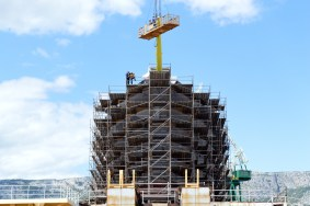 Flying Clipper u izgradnji - Postavljanje kosnika - Brodosplit, 25.5.2017. - FOTO Skveranka.