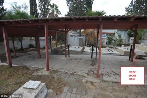 tunis graves