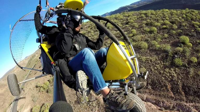 Low cost tours Gran Canaria: paratrike experience 18 min